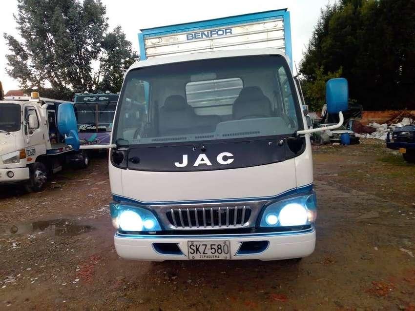 Vendo camion jac 1035 modelo 2012