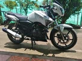 Moto APACHE RTR 180