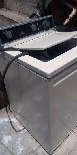 Vendor lavadora en buen estado