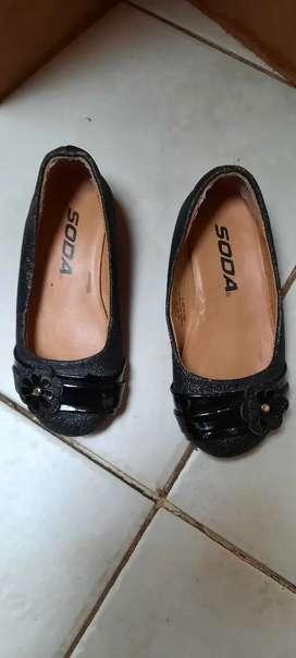 Zapatos de nena con taquito