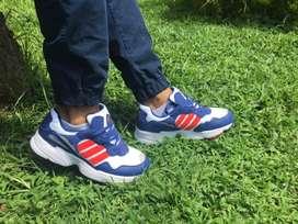 Zapatillas Adidas Yung-96 originales.
