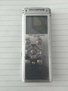 Olympus WS-600S