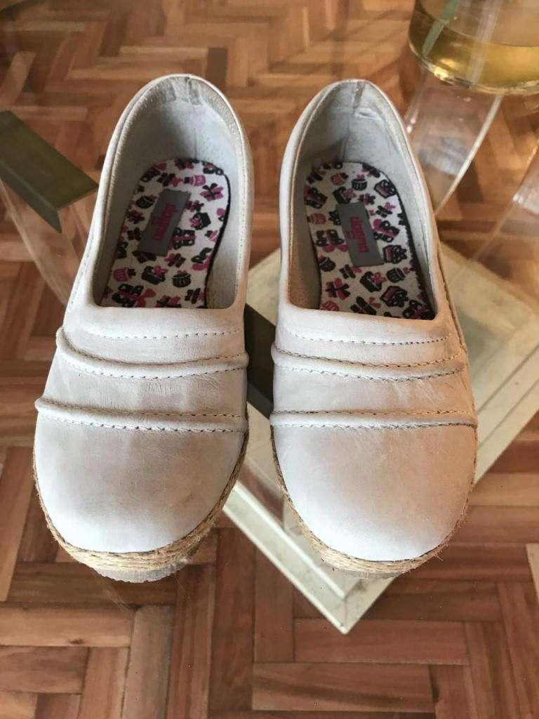 Zapatos NUEVOs de mujer 0