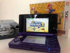 Vendo Nintendo 3DS + juego NEW SUPER MARIO BROS.2 + consola de cargador + cargador