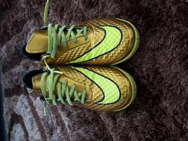guayos nike futbol dorados originales poco uso talla 11 o 43
