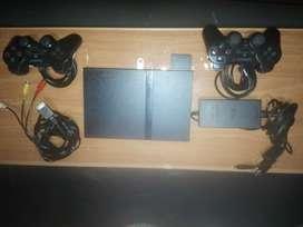 Play 2 modelo 70012 con dos controles cables todo original