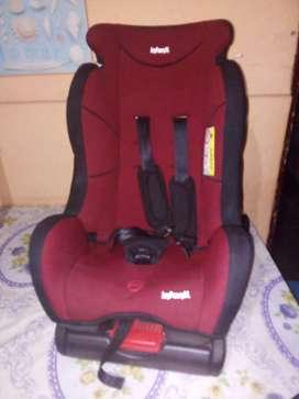 Silla de bebé para carro marca Infamti