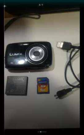 Cámara digital Panasonic lumix 14 megapixeles de segunda