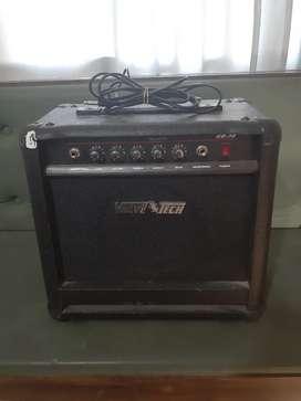 Bajo con amplificador estuche