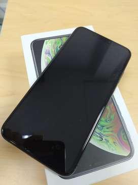 Celular iphone XS MAX de 64GB en perfecto estado, no tiene ningun golpe fue comprado en movistar hace 1 año