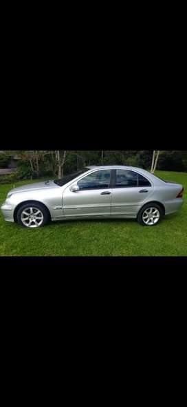 Se Vende Carro Mercedes Benz