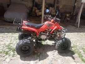 Se vende cuadron motor 250