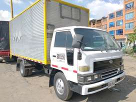 Daihatsu Delta furgón publica