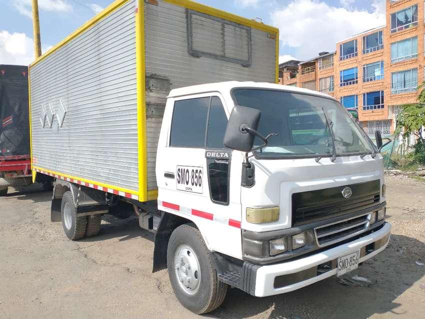 Daihatsu Delta furgón publica 0