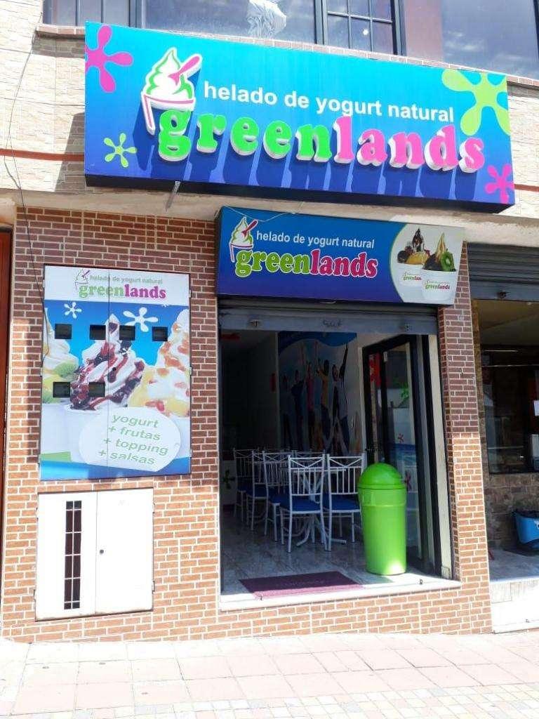 """Se vende heladería """"Greenlands"""" por motivos de viaje, ubicada en la entrada a Nayón. 0"""