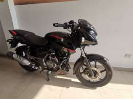 MOTO PULSAR 150 NEON