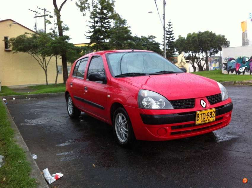 Renault Clio 2006 perfecto 76.000 kilometros aa 0