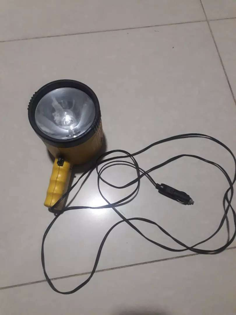 Vendo linterna o lámpara proyector luz halógena 0