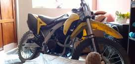 MOTOCROSS 200CC