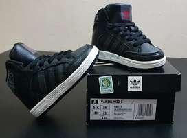 Zapatillas botitas Adidas Varial Mid I  Talle 21