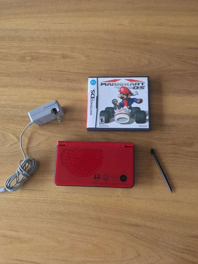Nintendo DSi XL Super Mario Bross