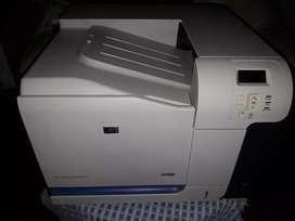 Impresora HP laserjet cp3525dn color