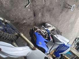 Vendo moto 4500cc yzf matriculada al dia