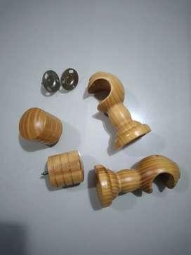 Set cortinero de madera natural