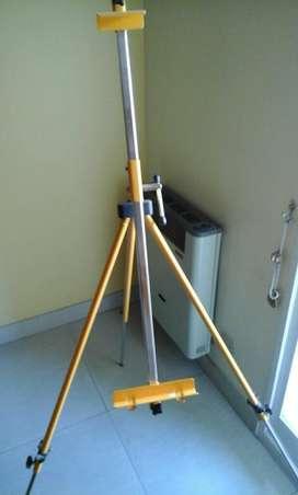 Atril metalico plegable telescopico en perfecto estado