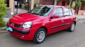 Renault clio del 2004 en excelentes condiciones, un solo dueño y precio negociable