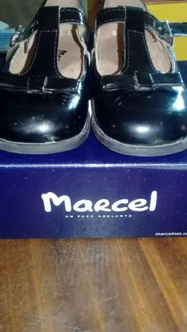 Zapatos de charol-marca Marcel