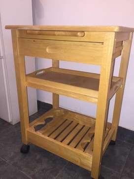 Mesa carro auxiliar de madera con bandeja y tabla. Ruedas