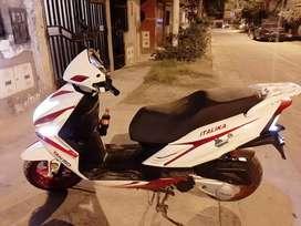Moto Italika 150 Escuter En Buen Estado