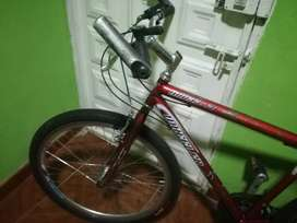 Vendo bicicleta.varata..no tine el tensor