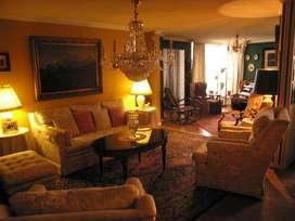 Habitación de lujo, estilo Europeo, 8 piso. En la misma cuadra del Sheraton.