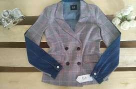 Hermosa chaqueta tipo blazer nueva de ELA
