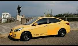 Vendo taxi en buen estado con papales al dia