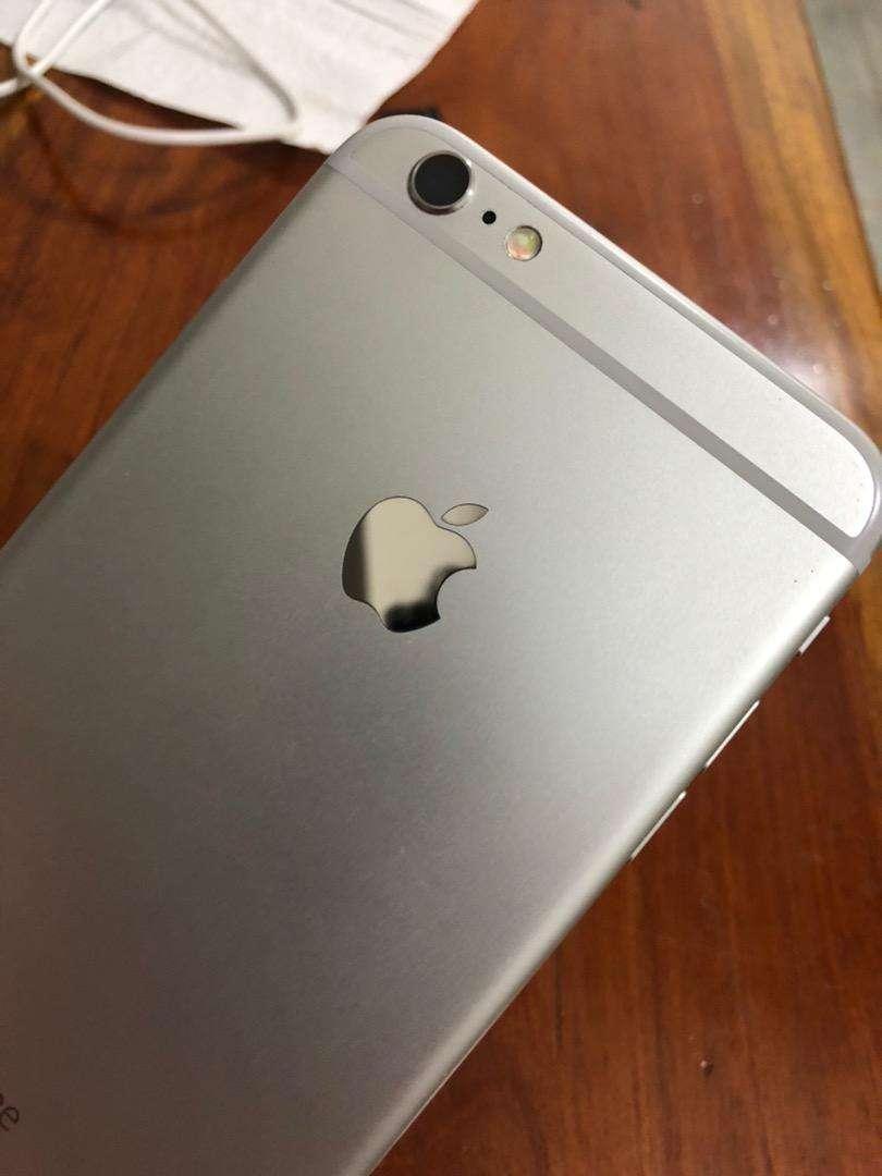 iPhone 6s plus 64gb Silver 0