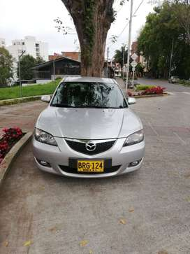 Mazda 3 sedán 2005