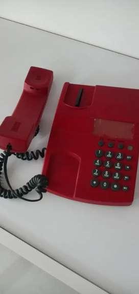 """Antiguo teléfono """"rojo"""" digital"""