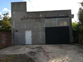 Galpón apto depósito/taller con oficina (calle 15 esq. 524 - Tolosa)