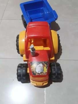 Tractor grande con Acoplado.