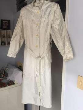 Venta de gaban impermeable blanco , talla 12 de SAVID BENJAMIN en perfecto estado