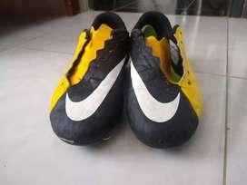 Guayos Nike Niño talla 37