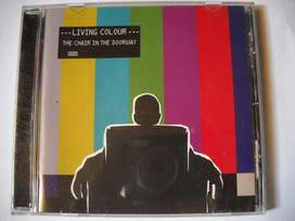 cd living colour chair in the doorway nuevo import.
