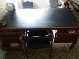 Vta de escritorio para oficina con silla