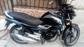 Vendo Moto Suzuki Gsx-r150