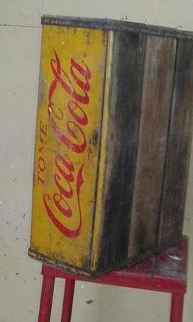 Cajón antiguo de Coca Cola