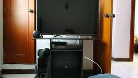 Smart TV 43 pulgadas con Teatro en Casa y DVD