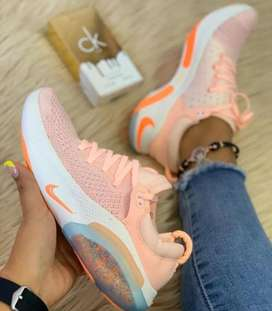 Zapato deportivo de dama
